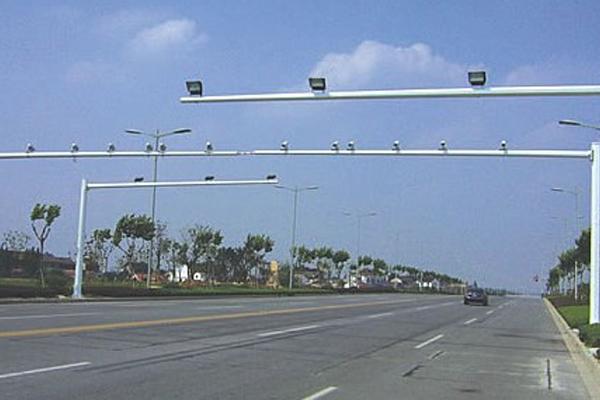 高速监控杆的材质要求